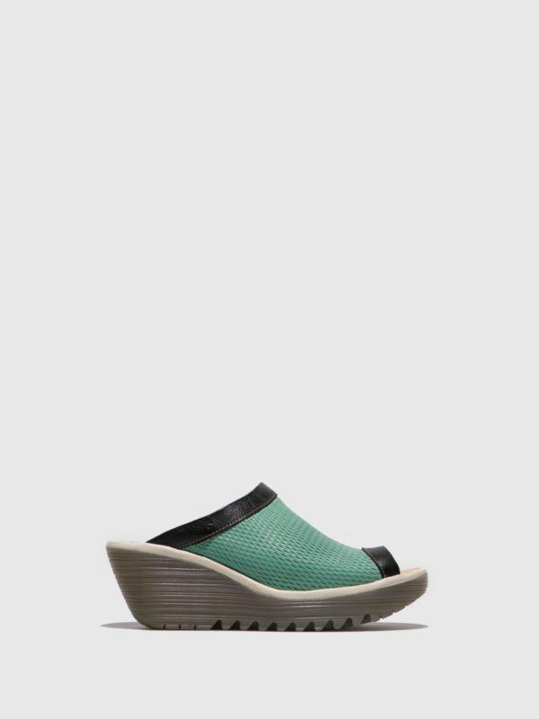 Sandalias zuecos turquesa