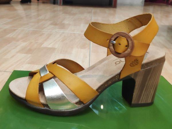 Sandalia tacon efecto madera