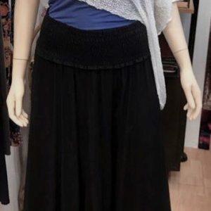 Pantalón negro de verano