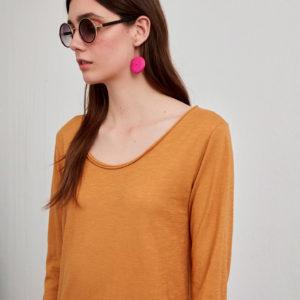 Camiseta básica mostaza
